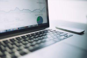 5 powodów dla których warto dbać o analitykę internetową na laptopie.
