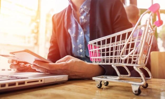 Niedostępne produkty w e-sklepie a SEO — poradnik