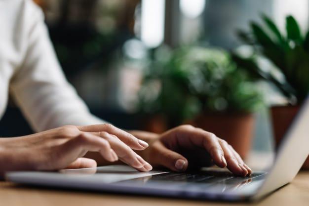 Jak poprawić widoczność strony w wyszukiwarkach — 5 praktycznych wskazówek