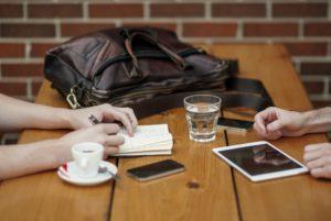 Czy pozycjonowanie się opłaca rozmowa w biurze