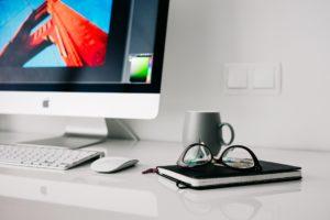 10 mitów seo i pozycjonowania na monitorze