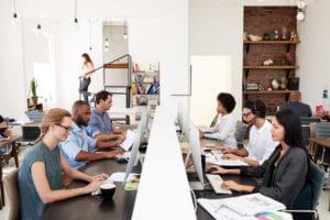 10 korzyści pozycjonowania strony w Google w biurze