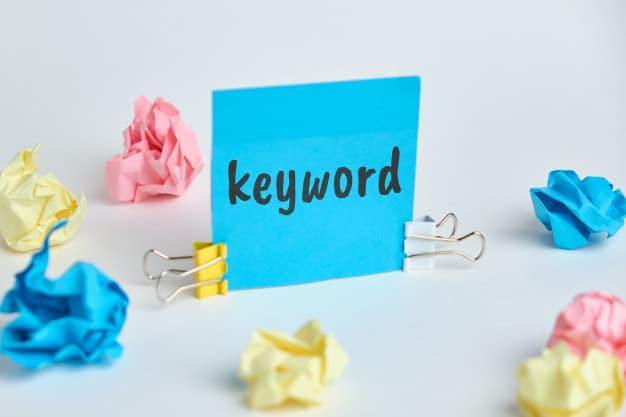 Ile słów kluczowych w meta